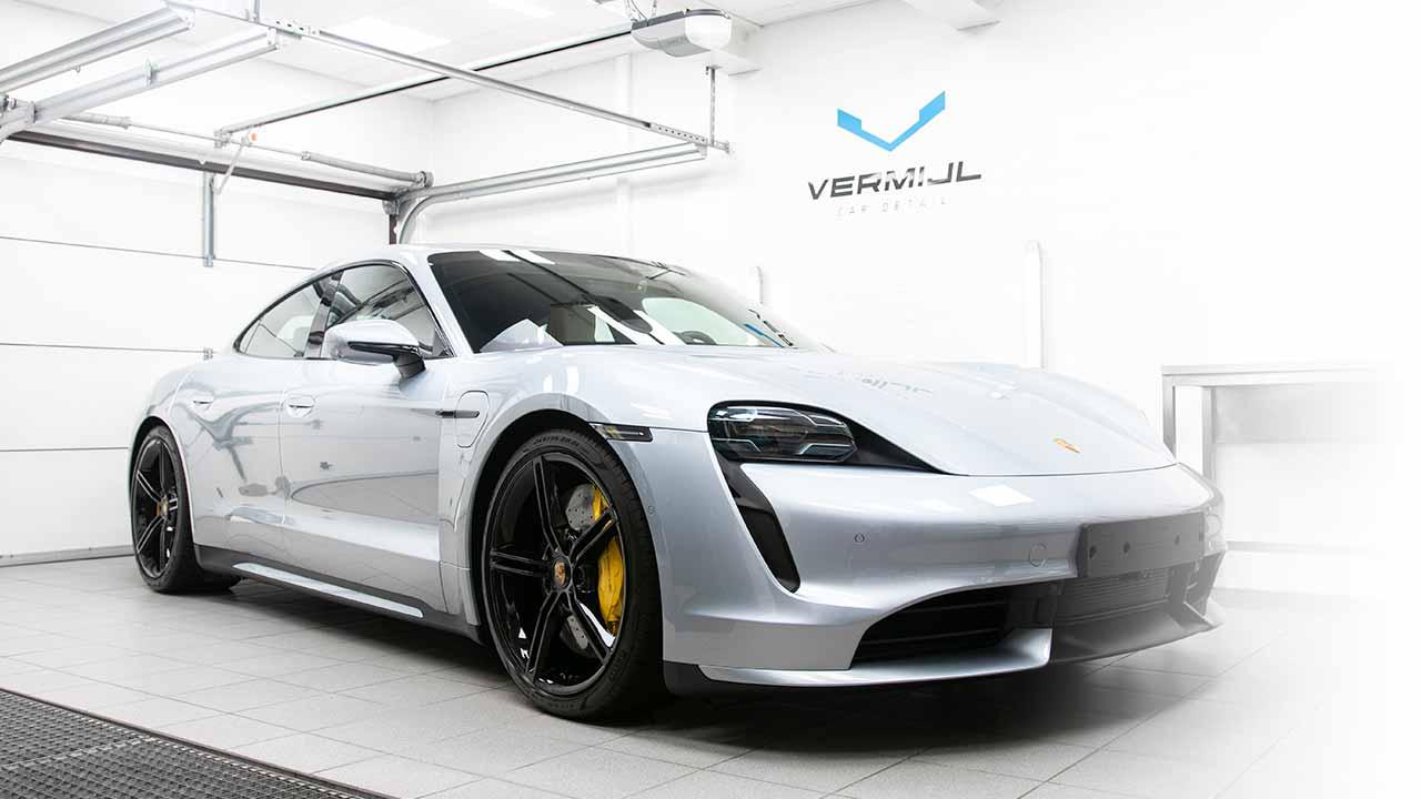 Porsche Taycan Turbo - Auto Coating CARPRO CQuartz Finest Reserve